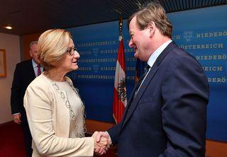 Johanna Mikl-Leitner und Gottfried Waldhäusl trafen sich am Donnerstagvormittag zu einem Gespräch.