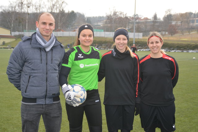 Trainer Michael Erhart, Magdalena Eberhardt, Franziska Thurner und Kapitänin Susanna Koch