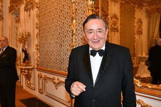 """Trotz seiner 85 Jahre sprüht Richard """"Mörtel"""" Lugner am Opernball vor Energie."""