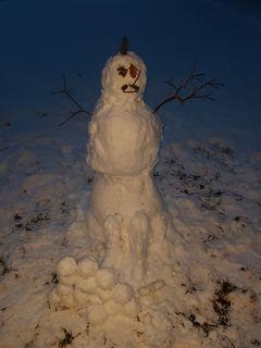 Ein Wintergruß, geformt mit Händen. Vielen Dank an Elian und Michl.