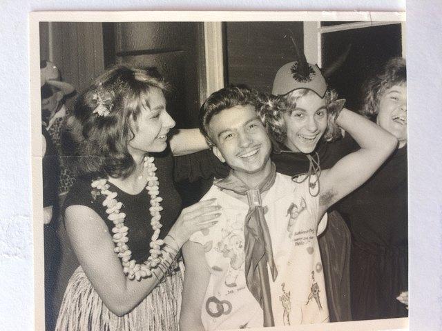 Karneval anno dazumal 1960 in Bonn / Rheinland mit Freundinnen und meinem Bruder