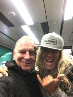 Treffen am Airport: Hans Reinisch (l.) und Mike Eskimo.
