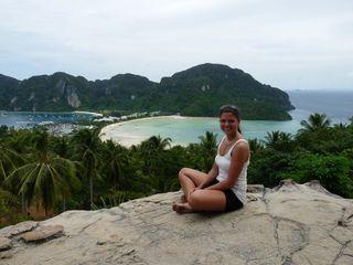 Ihre Weltreise führte Christina Strasser auch nach Thailand. Hier am Strand von Ko Phi Phi.