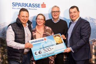 Andreas Glätzle (Kommunikation Tispa), Karoline Senn & Christoph Wötzer (Vinzenzgemeinschaften Tirol), Hans Unterdorfer (Vorstand Tispa).