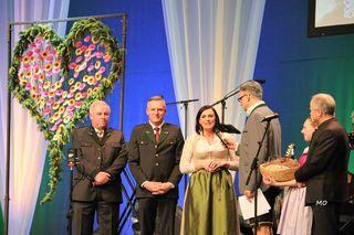 LH Hermann Schützenhöfer, Minister Mario Kunasek, Ministerin Elisabeth Köstinger, Moderator Dorian Steidl, Landrat Hans Seitinger, Bauernbundball Graz