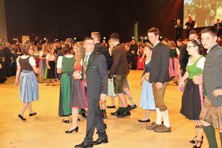 Schüler der landwirtschaftlichen Fachschulen bei der Eröffnung in der Grazer Stadthalle nach einer Choreografie von Willi Gabalier