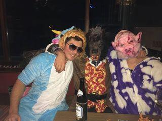 Vom blonden Einhorn, über einen werwolfartigen Bierfetischisten bishin zu einer Milka-Kuh-Zombie-Schwein-Chimäre – Faschingsnarren in jeder Form und Farbe tummelten sich am Areal des TC Bad Ischl.