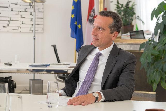 Laut der Umfrage von meinbezirk.at sitzt Christian Kern als SPÖ-Chef fest im Sattel