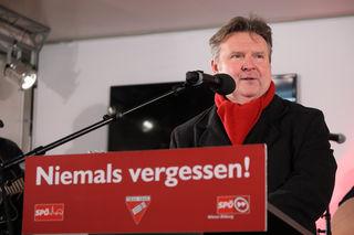 Der neue SPÖ-Wien Vorsitzende Michael Ludwig mahnte vor einem Angriff auf das rote Wien und zu gemeinsamer solidarischer Arbeit trotz Uneinigkeiten.