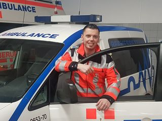 Field-Supervisor und Notfallsanitäter Matthias Kießlinger ist seit 13 Jahren bei der Berufsrettung Wien. In den vergangenen Jahren gibt es immer mehr Probleme mit Gaffern.