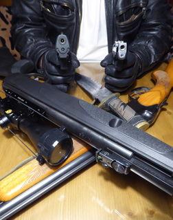 Johannes M. hat einige Waffen zu Hause - alle legal.