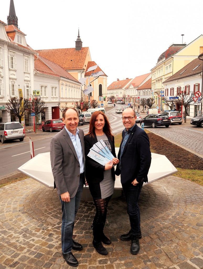 Freuen sich über das Rekordjahr: Gerald Pilz (Obmann), Claudia Berghold (Gutscheinorganisation), Gerwald Hierzi (Geschäftsführer) (v.l.)