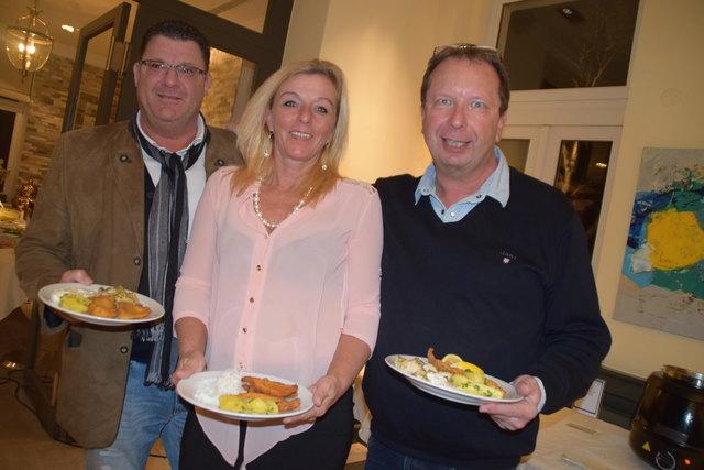 Mahlzeit: Rudi Wegl, Sonja Rohacek und Erwin Braunsteiner.