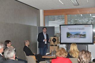 Baumeister Anton Rieder bei seiner Präsentation zum Thema Digitalisierung in der Baubranche.