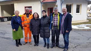 Vier Langzeitarbeitslose hat die Gemeinde Olbendorf angestellt, berichten Wolfgang Sodl (rechts) und Verena Dunst (links).