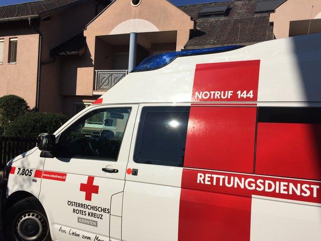 Die Fahrzeuglenkerin wurde von der Rettung in das Klinikum Klagenfurt gebracht