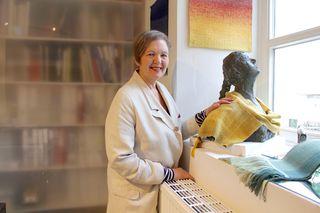 Beate von Harten stellt rund um den Globus aus und erhielt zahlreiche Preise: vom europäischen Designpreis 1991 bis hin zum internationalen Carpet Design Award 2015.