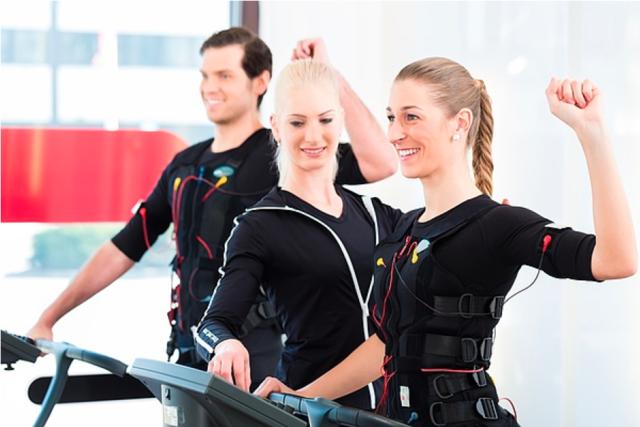 Keine Angst vor Sport unter Strom: In einer 20-minutigen EMS-Einheit kann ein perfekter Trainingseffekt erreicht werden.