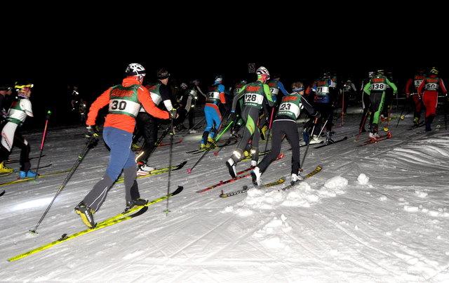 """...und """"auffi auf de Buach"""" ging's für die 126 Teilnehmer."""