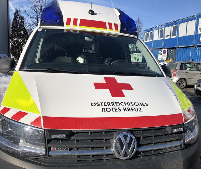 Der Verletzte wurde nach der Erstversorgung in das Unfallkrankenhaus Salzburg eingeliefert (SYMBOLBILD)