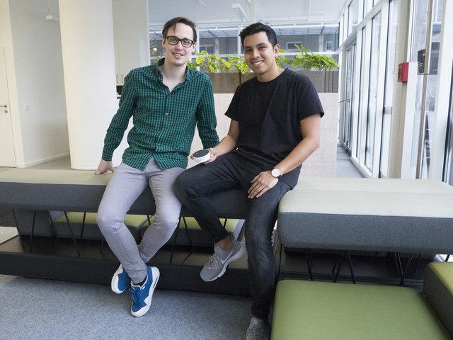 Dustin Steiner (links) aus Weißenbach bei Liezen und sein mexikanischer Programmier-Partner Guillermo Seis haben es mit ihrem Projekt unter die 20 besten Entwickler geschafft.