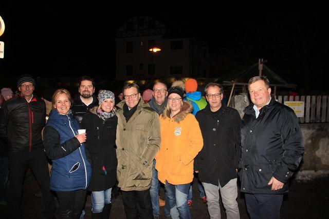 Toni Mattle, Doris Sailer, Birgit Thönig, Peter Vöhl, LH Günther Platter, Herbert Mayer, Beate Scheiber, Bgm. Wolfgang Jörg und LR Bernhard Tilg.
