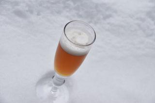 Auf Alkoholisches zu verzichten, ist ein Fastenvorsatz vieler. Wer auf sein After-Business-Bier nicht verzichten mag, kann zu alkoholfreien Bieren (manchmal sind noch geringe Prozentwerte enthalten – achten Sie auf das Etikett), die viele heimische Brauereien im Sortiment haben, greifen.