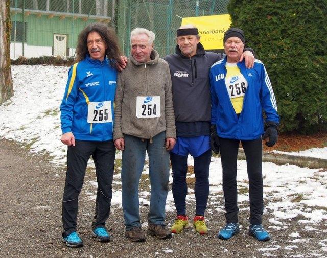 """Mit der """"Senioren-Bande"""" Wolf-Werner, Ostoja und Erhard vor dem Start"""