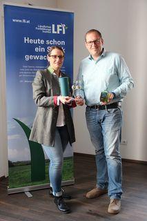 Die beiden Verantwortlichen Nikola Kirchler und Ulrich Jakob Zeni freuen sich über das rege Interesse am Zertifikatslehrgang Edelbrandsommeliers.