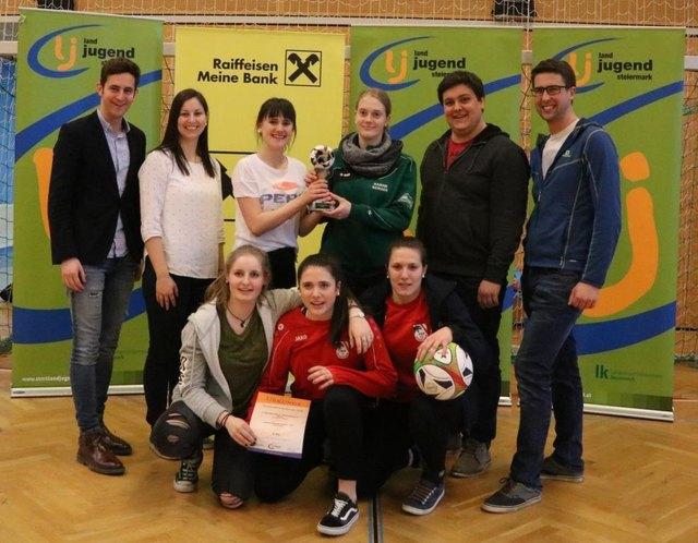 Die Mädchen der LJ Krottendorf-Thannhausen-Naas setzte sich auch heuer beim Fußballturnier durch und schafften somit den dritten Erfolg hintereinander.