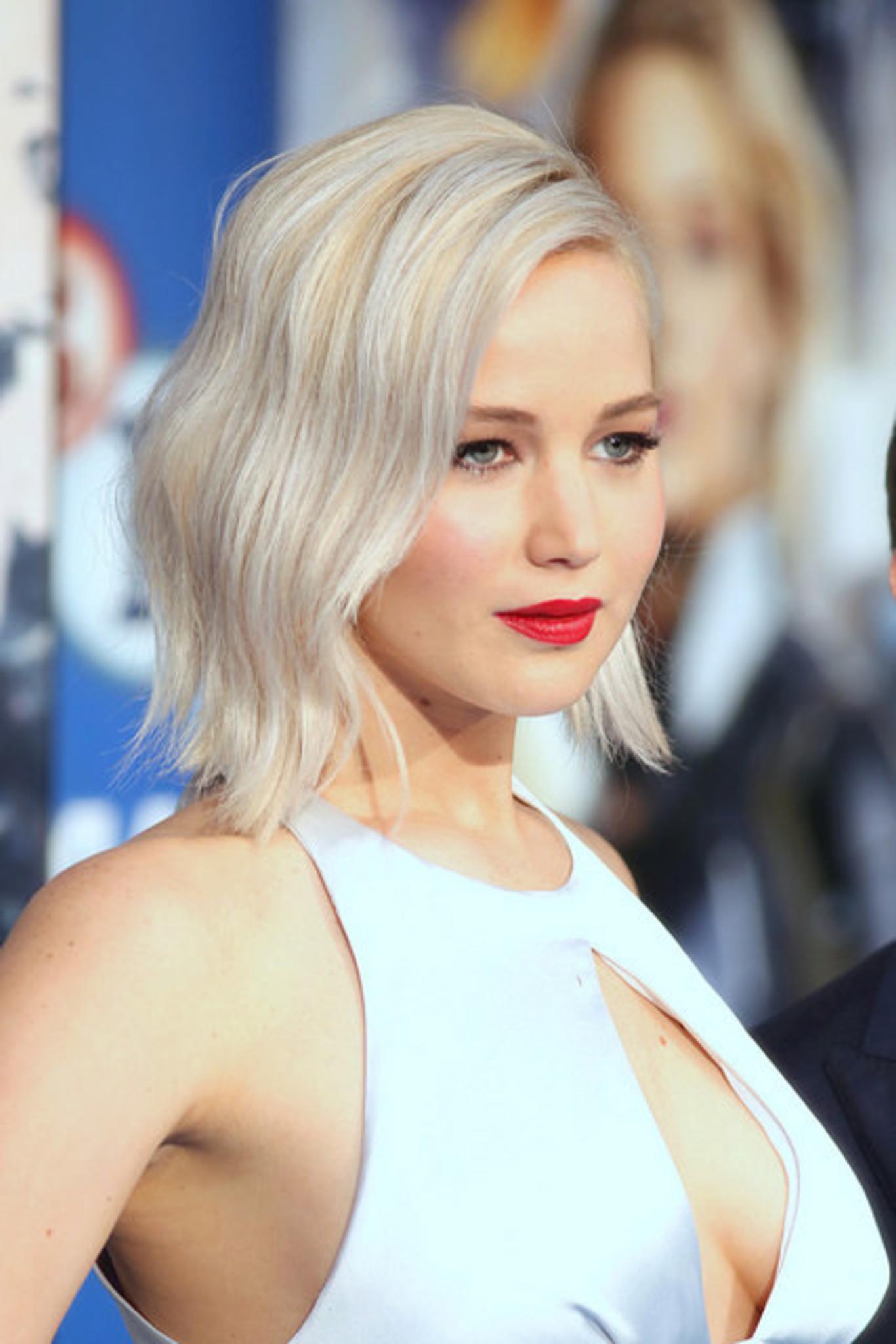 Jennifer Lawrence Krass Neue Frisur Für Den Red Sparrow Star
