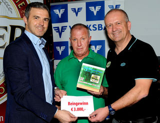 Sponsor Hannes Scheuchelbauer von der Volksbank NÖ, Mostviertel-Champion Ignaz Heigl und Organisator Hannes Zimola.