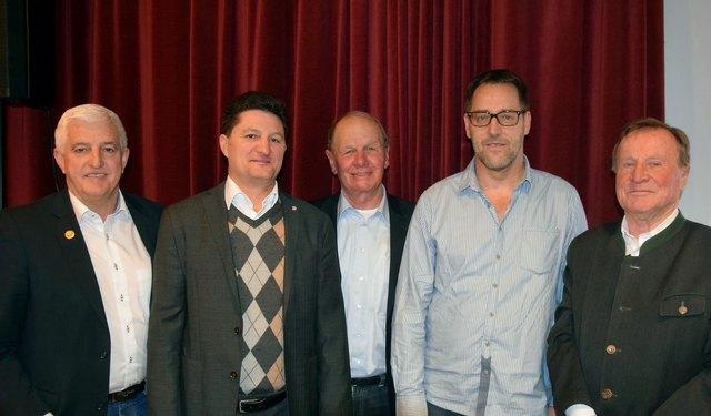 Von li. nach re. - Hubert Piegger (ASVÖ-T), Reinhard Eberl (Sport, Land Tirol), Hubert Widschwenter, Hans Schlichenmaier und Hansjörg Mader (ASVÖ-T).