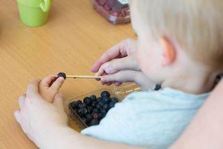 Frühzeitige, alltagsnahe Therapie bereits bei den ganz Kleinen kann vieles ausgleichen.
