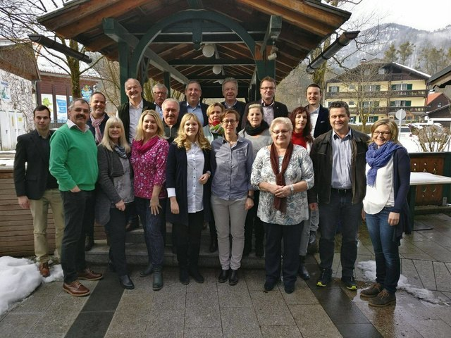 Die Vertreter der SPÖ Bezirkspartei Gmunden trafen sich in Bad Goisern, um die Ausrichtung als Oppositionspartei zu beschließen.