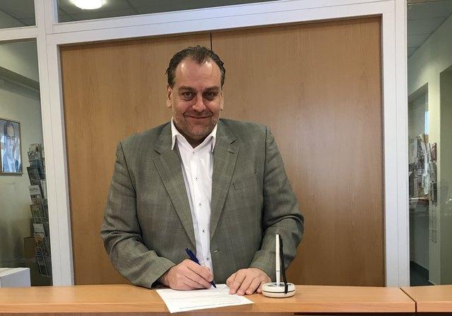 Einer der ersten, der sowohl das Frauenvolksbegehren als auch das Don't smoke-Volksbegehren unterschrieben hat, ist Nationalratsabgeordneter Andreas Kollross, Bürgermeister in Trumau