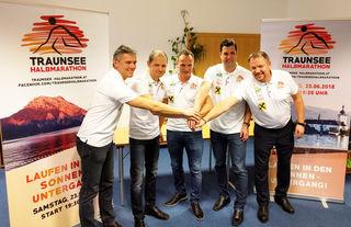 Andreas Berger (M.) mit seinem Team.
