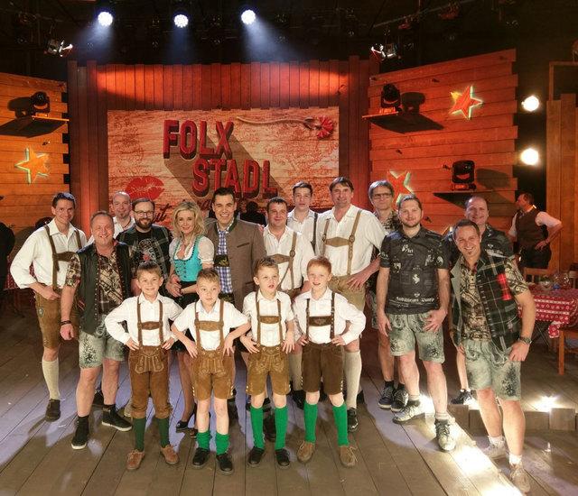"""Große Aufregung bei den Gößnitzer Schuhplattlern. Sie treten im Folx-TV mit den """"Spatzen 2000"""" auf."""