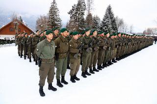 400 Soldaten wurden im Beisein von 2.000 Besuchern wie Familie und Freunde in Greifenburg angelobt