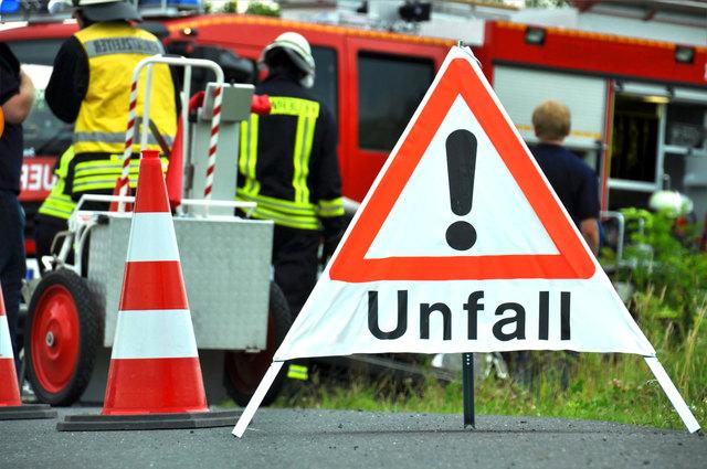 Sekundenschlaf führt zu Verkehrsunfall auf der B138 in Micheldorf