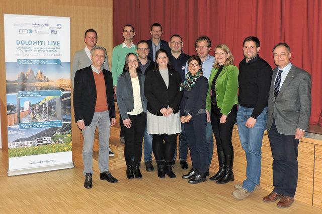 BH Olga Reisner und Herbert Walter mit den Vortragenden der Startveranstaltung in Sillian