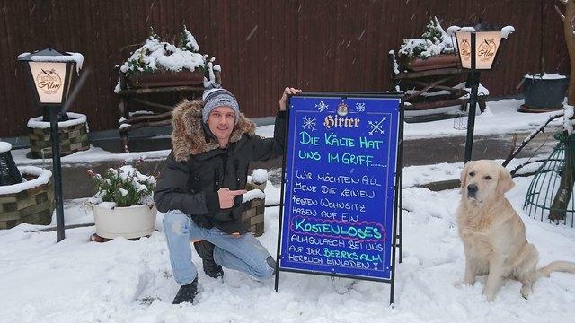 Bezirks Alm-Chef Daniel Wagner startete die Aktion aufgrund der arktischen Kälte.