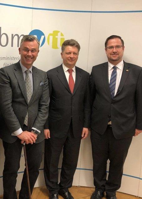 Verkehrsminister Norbert Hofer, Verkehrsminister Maxim Sokolow,FPNÖ-Geschäftsführer Nationalrat Christian Hafenecker.
