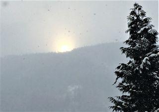 Auch bei Schneefall kann es einen tollen Sonnenuntergang geben!