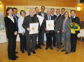 Drei Ehrenmitglieder des Vereins Jakobsweg Weinviertel wurden ernannt: der ehemalige Bischofsvikar Matthias Roch, Weihbischof Stephan Turnovszky und Alt-Landtagspräsident Edmund Freibauer.