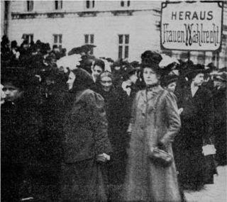 Demonstration für das allgemeine Frauenwahlrecht am 19. März 1911, dem ersten Frauentag, in Wien.