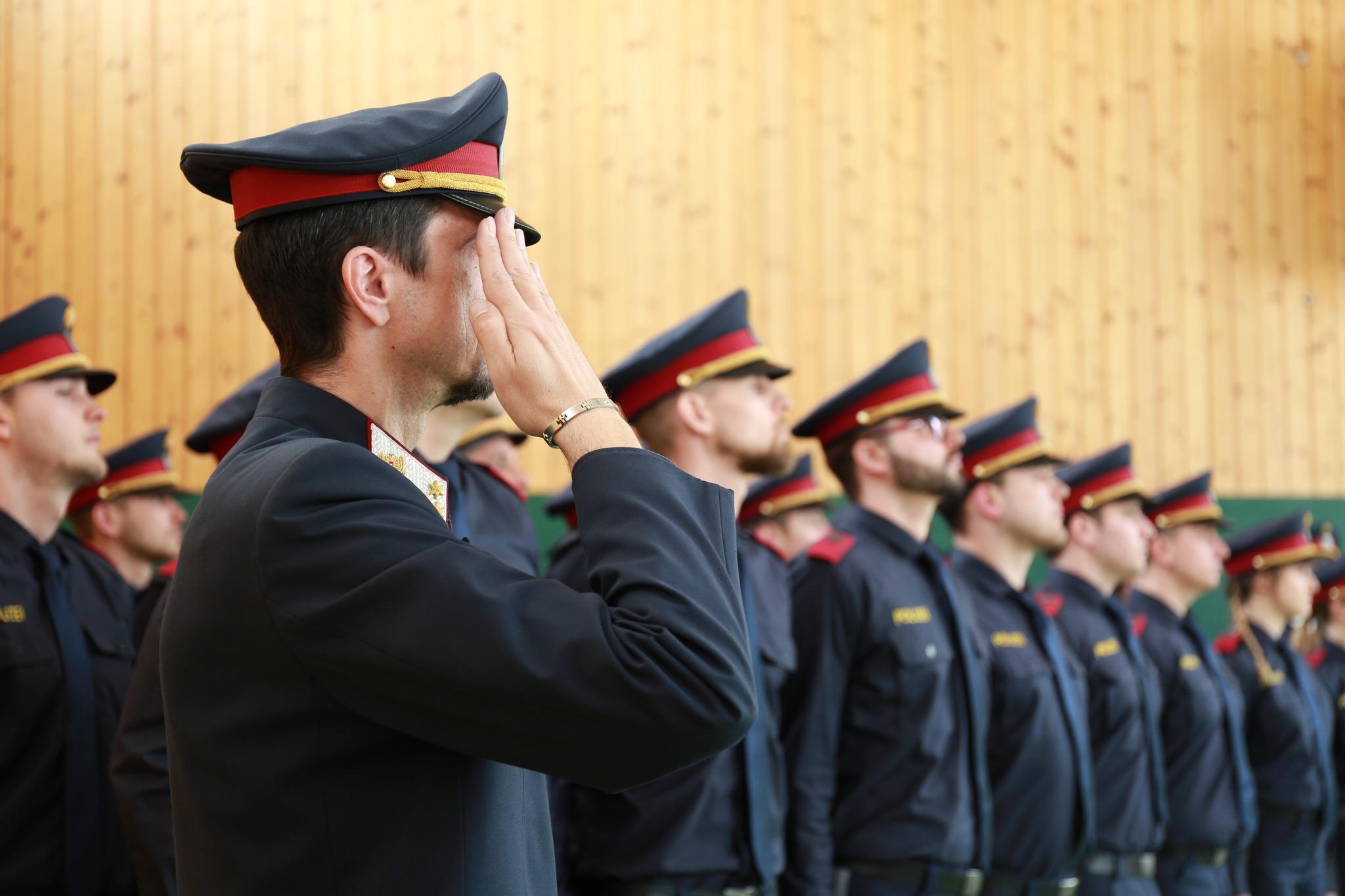 25 neue Polizisten fr die Steiermark Der Grazer