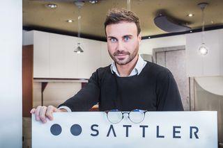 Anlaufstelle für Brillentheo-Kunden: Alexander Sattler betreut die Kunden in seinem Betrieb in der Murgasse weiter.