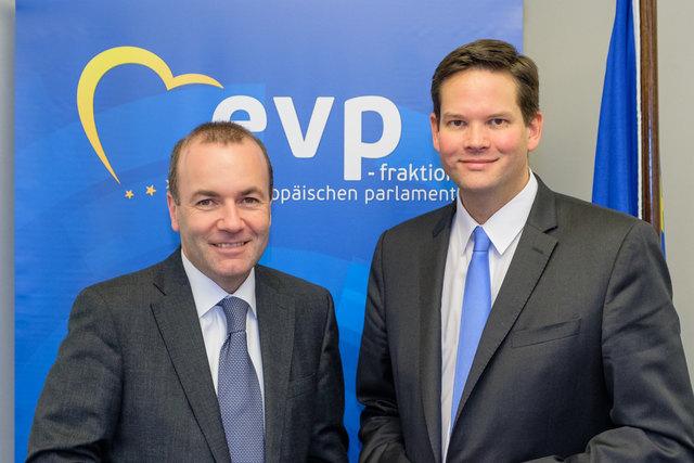EVP-Fraktionschef Manfred Weber und Lukas Mandl
