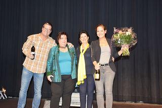 Nach dem bejubelten Auftritt in Leoben: Gerold Rudle und Monica Weinzettl mit den Repräsentanten des Soroptimist Club Leoben Karin Frisch und Doris Cmager (Bildmitte).